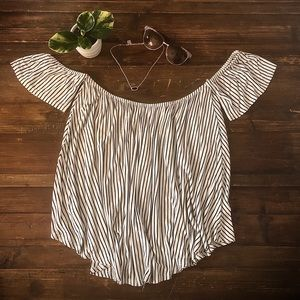 Aran's Den Off-Shoulder Blouse